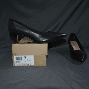 Clarks Collection Linvale Jerica Black Leather 12M